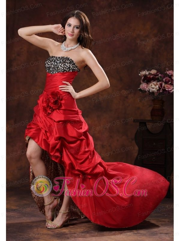 Red Leopard High-low Dama Dresses for Quinceanera Clearances With Beaded and Flowers Decorate Bust In Albertville Alabama    http://www.fashionos.com  This stunning elegant red and Leopard dress has a rommantic charm that no others can conquer. It features a straight neckline, beaded texture on the bodice and a gorgeous ruffled skirt with a split on the front that creates a sexy and sassy look. Several hand flowers add beauty to the midsection.