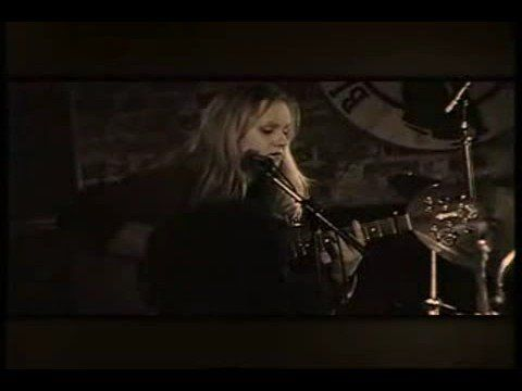 Eva Cassidy- The BEST version of Somewhere Over the Rainbow