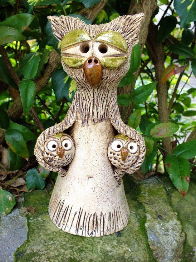 http://de.dawanda.com/product/67337183-Zaunhocker-Mama--Eule-Gartenkeramik-frostfest