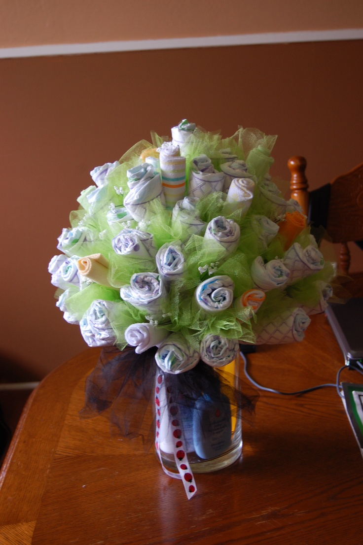 17 best images about diaper bouquets on pinterest for Pink diaper bouquet