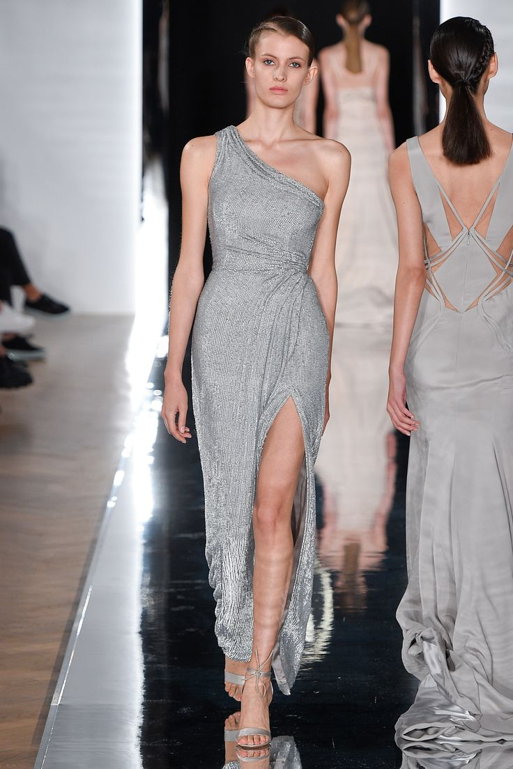 Valentin Yudashkin | Spring 2017 Ready-to-Wear collection | RTW fashion | Silver gown