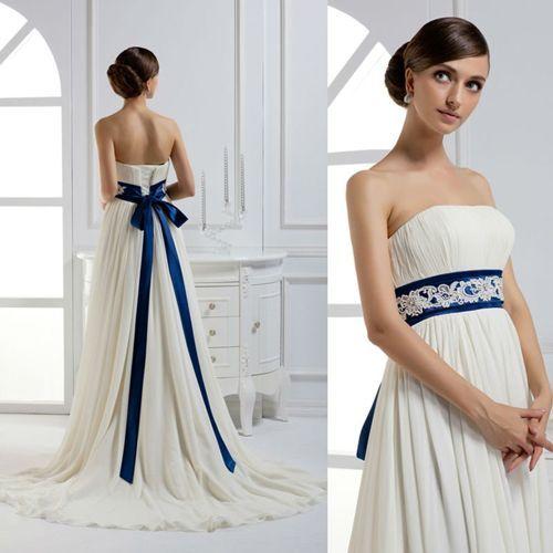 Vestidos de novia blanco y azul marino