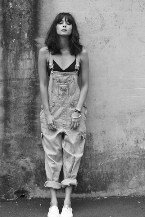 I'D LOVE ANOTHER PAIR OF BAGGY OVERALLS (I think they are pretty fantastic, especially worn like this...)