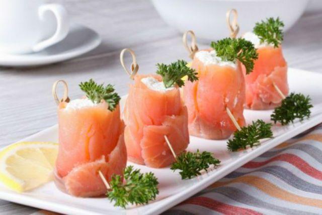 Involtini salmone affumicato e robiola