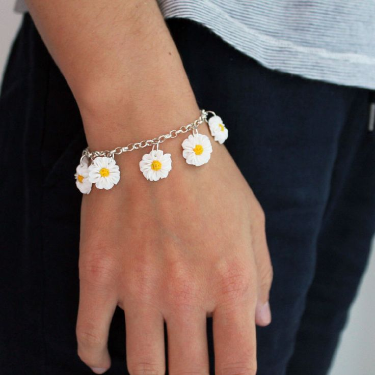 Daisy Bracelet - Charm Bracelet - Handmade Flower Bracelet - Gift for Her - Flower Lovers Gift - Mother's Day Gift - Handmade Jewellery by AntoniaCrafts on Etsy https://www.etsy.com/uk/listing/466005814/daisy-bracelet-charm-bracelet-handmade