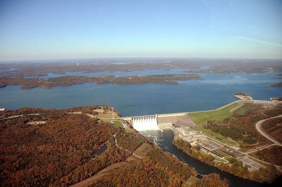 Gates open at Table Rock Dam.: Lakes Dam, Missouri Travel, Tablerock Lakes, Tables Rocks Lakes, My Families, Rocks Dam, Families Vacations, Branson Nearbi, Gates Open