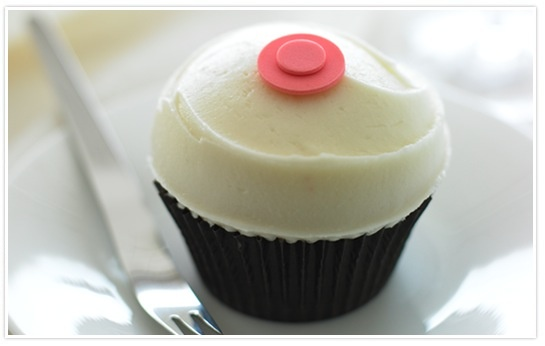 Sprinkles cupcake! Thank you booboo for the delicious cupcakes!! =)