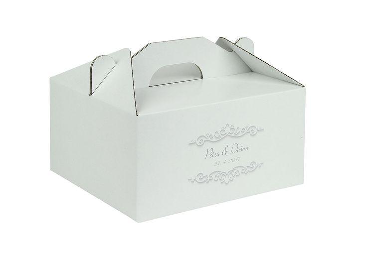 Čeká vás svatba? Můžete si u nás objednat originální výslužkové krabičky s vašimi iniciály.