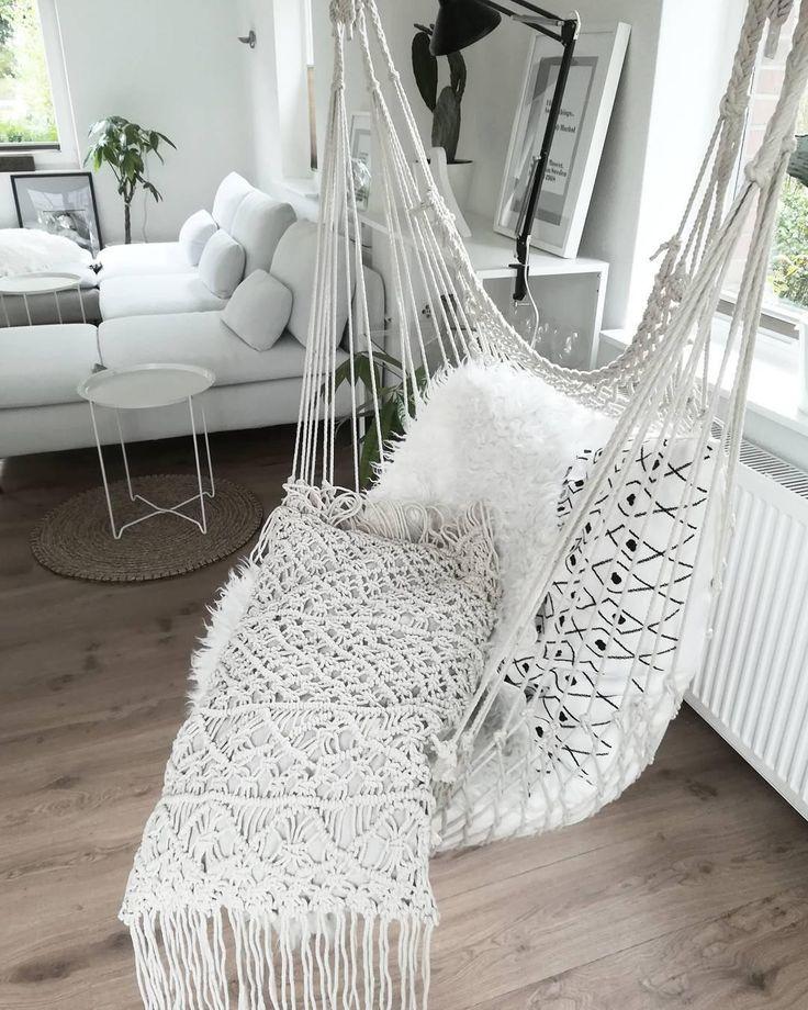 Wer Sagt, Dass Ein Teurer Relaxsessel Den Besten Platz Bietet, Um Sich Zu  Entspannen. Kreative Lösungen Wie Ein Hängesessel Verbinden Oftmals  Höchsten ...