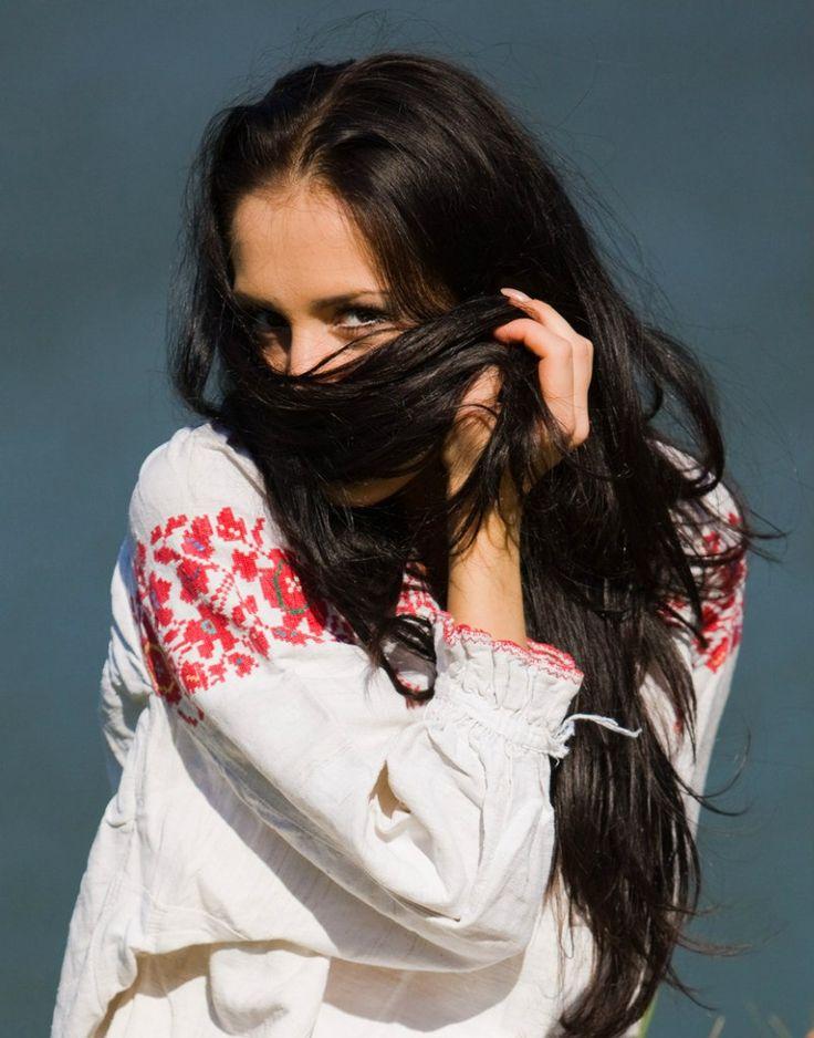 Lang zwart haar. Bron / source: new.vk.com/rus_girl