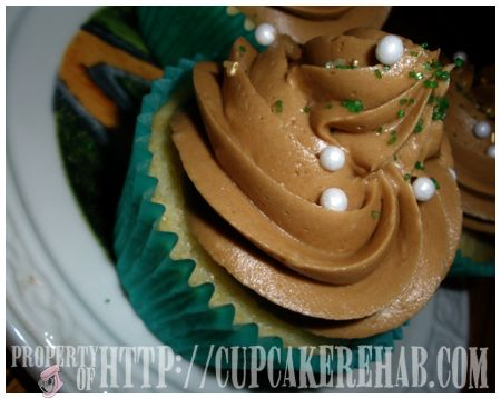 Jameson Irish Whiskey Cupcake How to and Recipe.   I think this maybe year round dessert, not just for St. Patrick's Day!