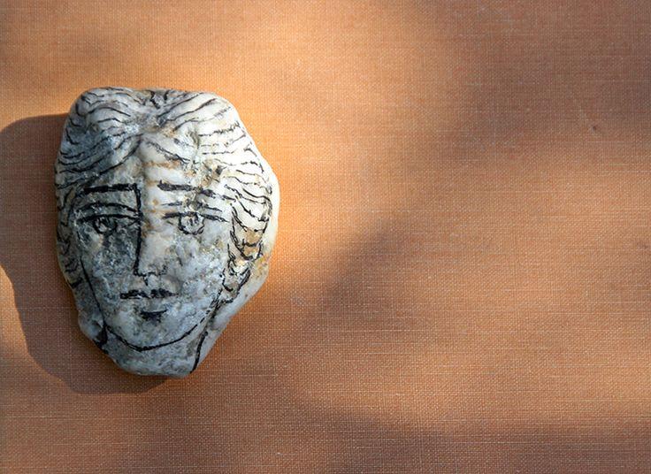 Ρωμιοσύνη. Διαβάζει: Ρίτσος Γιάννης, Ανέκδοτη ηχογράφηση, Woodberry Poetry Room, 1964http://www.snhell.gr/lections/content.asp?id=42&author_id=41&page=anthology