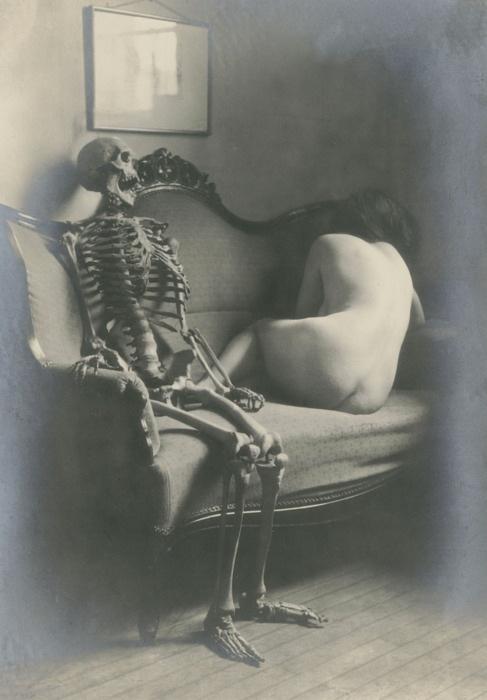 I love this weird Victorian photo