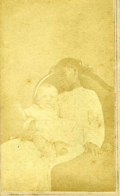 Post mortem slave and living baby.