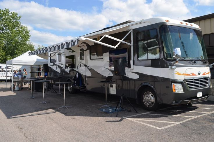 1000 images about tailgate time on pinterest buses vehicles and tailgating. Black Bedroom Furniture Sets. Home Design Ideas