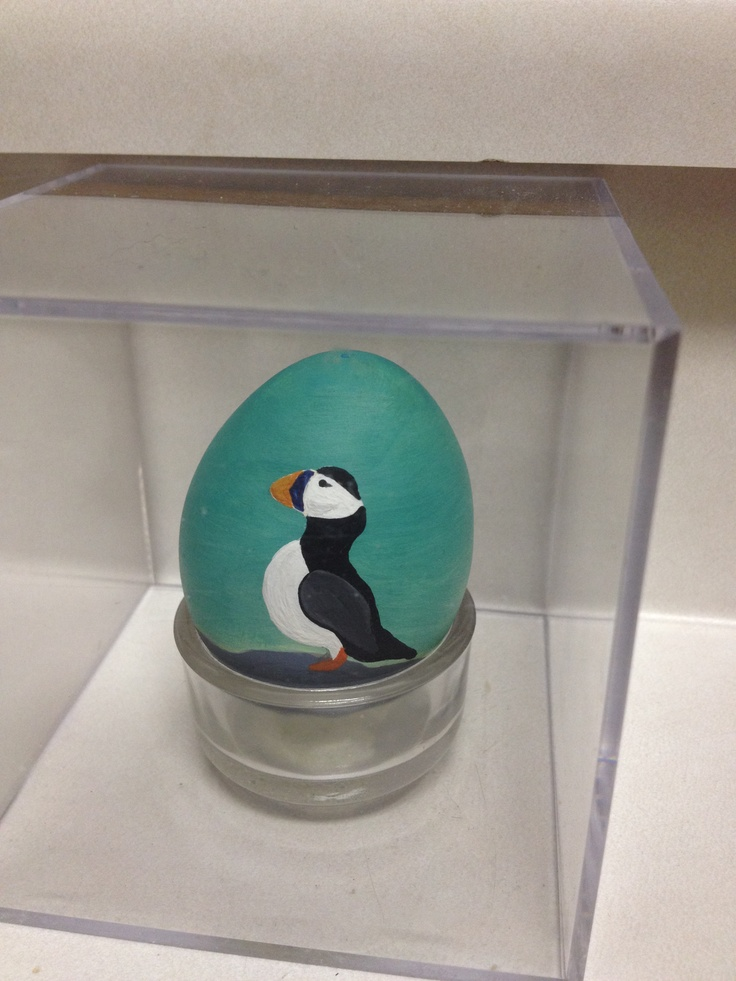 I painted this for my Mom a few years ago. I've been painting on eggs for a while now.