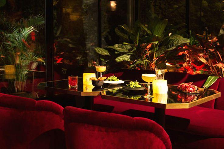 Les adresses branchées les plus secrètes de Paris. Do it in Paris vous a déniché 8 adresses complètement insolites : déjeuner dans une boucherie, apéro dans une gigantesque cave ou un boudoir en sous-sol et café chez un brocanteur... Tout ce qu'il faut, pour changer un peu de vos habituels week-ends!