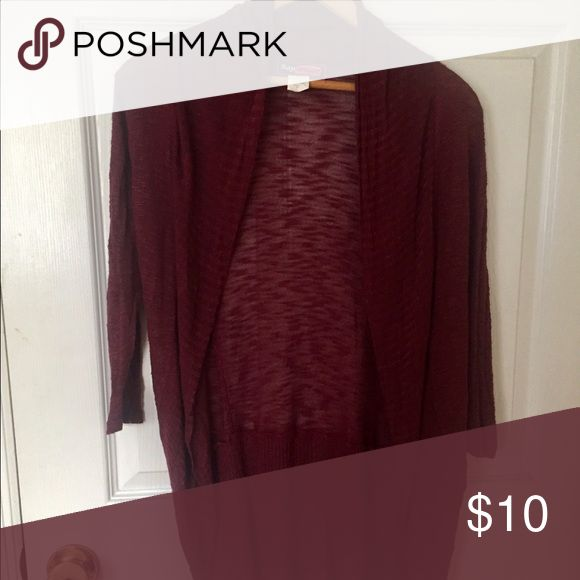 3/4 sleeve burgundy cardigan Burgundy cardigan that's 3/4 sleeves. Gently worn. Good condition. Size small Sweaters Cardigans
