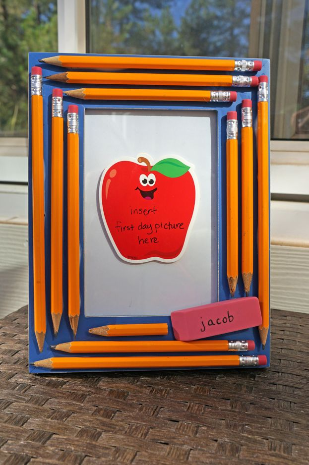 CUTE picture frame...could be for first day of school picture or even teacher gift...