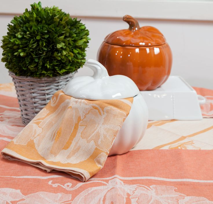 Soft Pumpkin Napkins, Curvy Pumpkin Bowls, in your favourite colours! Ready to pamper your eyes!