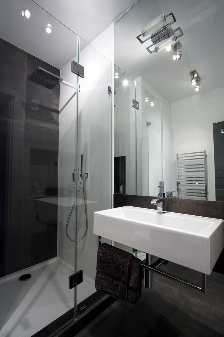 Gorgeous Apartment Design Interior with Industrial Design Scheme: Sleek Bathroom Design Small Sink Vanity Industrial Design Apartment