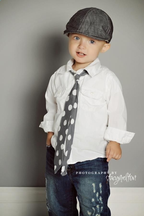 Who says you cant dress up little boys!? This look is adorable!! I am thinking pictures  or birthday outfit!! LOVE IT.. I may even do family pictures this fall with Josh in a tie like this.