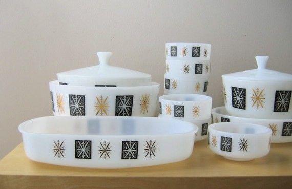 federal glass eames era rectangular casserole dish, cute little set! Not as valuable as fire king though