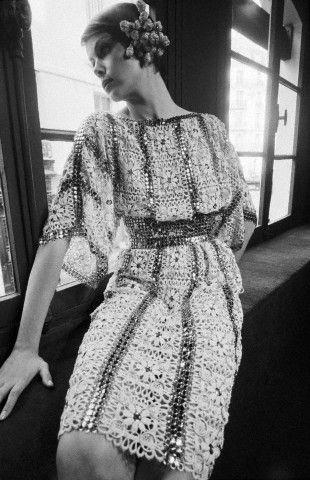 Модели в одежде от Paco Rabanne (1972 год)