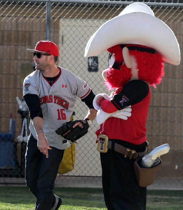 Texas Tech Coach Kingsbury and Raider Red.