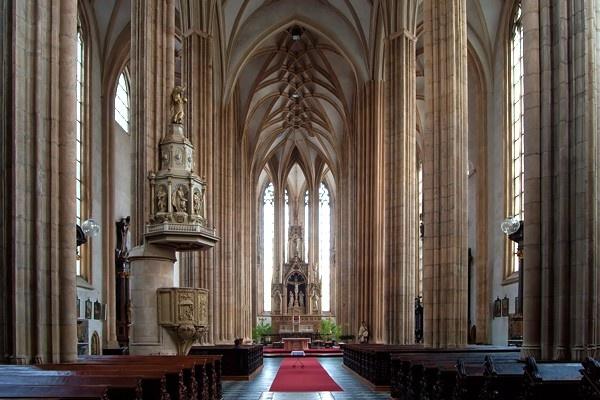 church St. James - interier