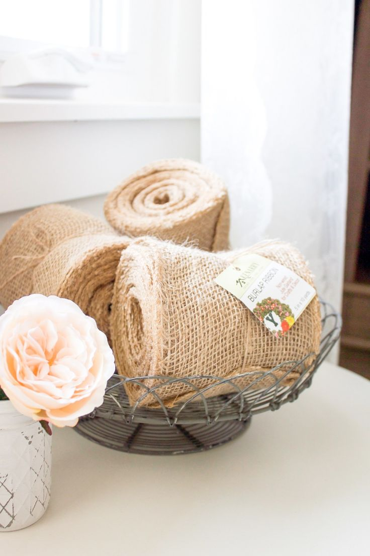 15 Minute Farmhouse Style Ruffle Burlap Pillow