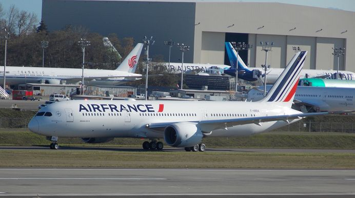 Air France Boeing 787-9 F-HRBA c/n 38769 LN 500 Paine Field November 8, 2016 Photo by: Paul K McGregor First 787 delivered to Air France