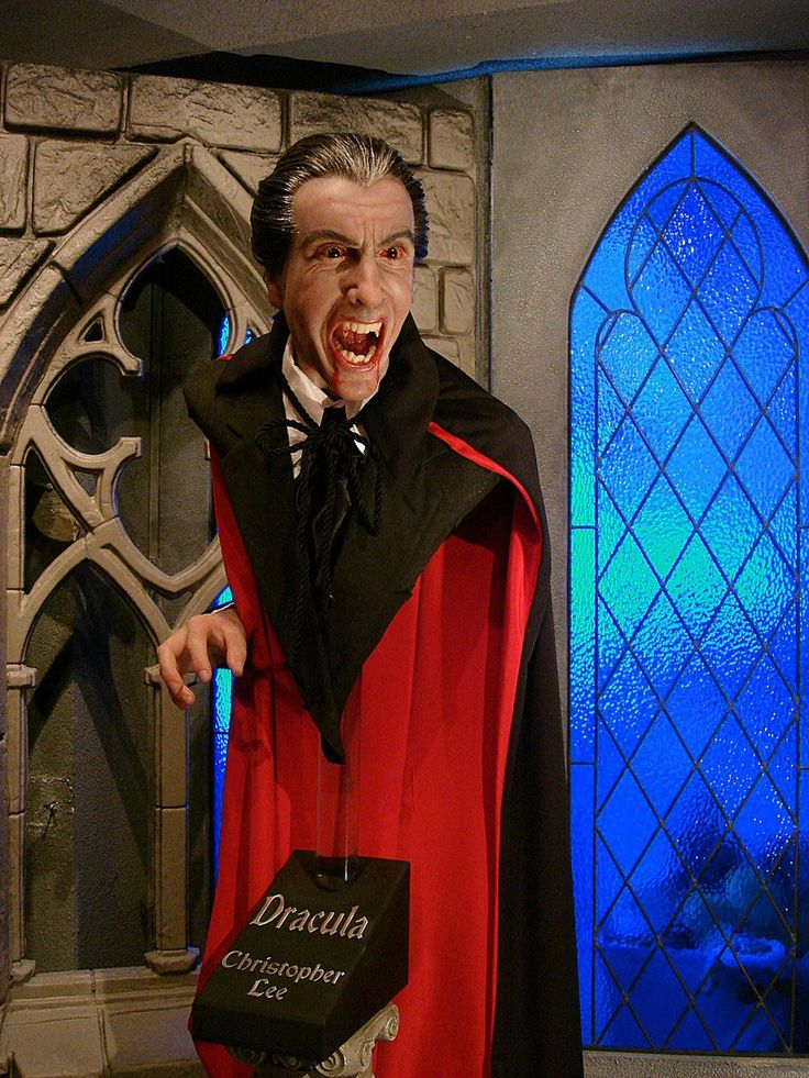 A silicon bust of Christopher Lee, as Dracula, by sculptor ...