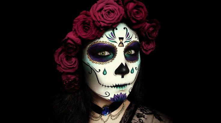 Inspiré de la tradition mexicaine dela fête des morts(Día de los Muertos), le maquillage tête de mort mexicaine s'est bien démocratisé ces derniers temps!
