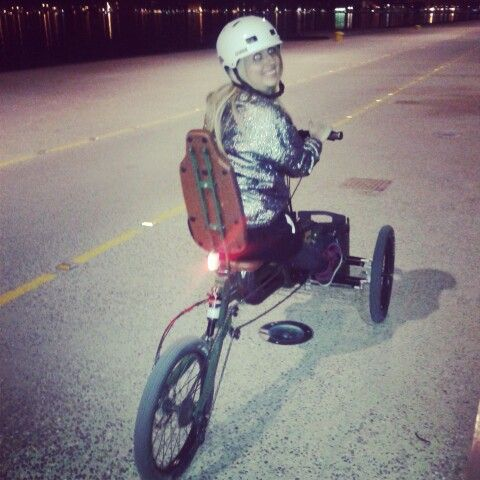 Night riding lessons with @Paastel Trike !