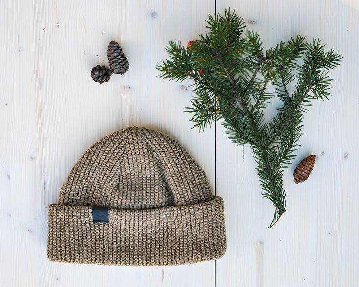 Olive Flyfisher Beanie made of Organic Merino Wool. Shop ecological and ethical here!