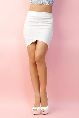 #InfiniePassion - Jupe courte - 14.99 € L'indispendable jupe blanche moulante qui se marie avec séduction avec toute votre garde-robe ! http://www.infiniepassion.com/vetements/jupe-mini-jupe/mini-jupe/jupe-courte/7818/d0.html