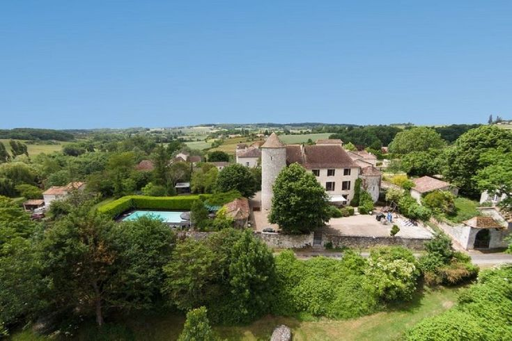 Castle to rent in Sadillac, France with private pool   117980 https://www.clickstay.com/france/sadillac/private-castle-in-france-with-pool-sauna-and-private-golf-course-117980?utm_campaign=crowdfire&utm_content=crowdfire&utm_medium=social&utm_source=pinterest
