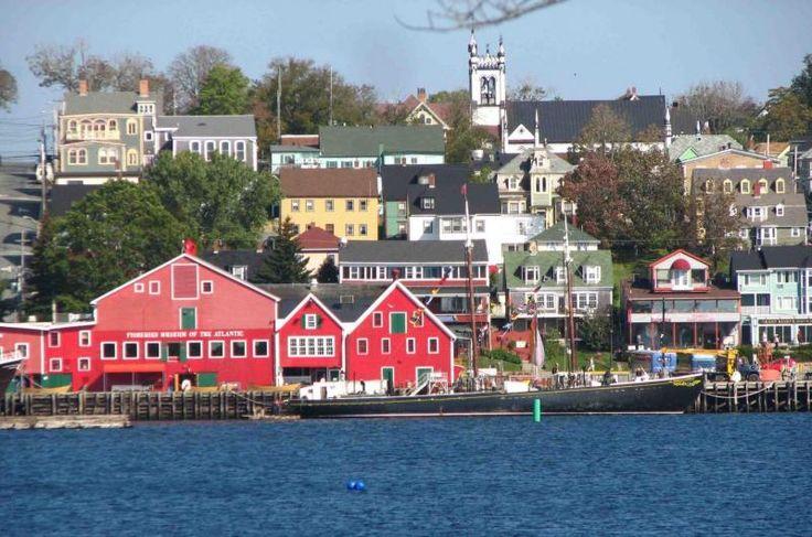 Glimpses: Lunenburg History Through Scene and Song | Tourism Nova Scotia