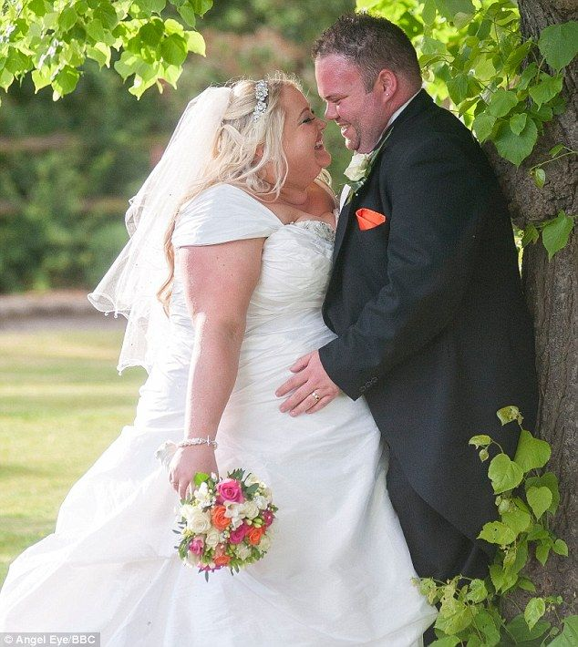 83 best heavy brides grooms photography images on for Wedding dresses for thick brides