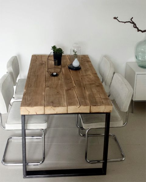 25 beste idee n over oude houten stoelen op pinterest oude stoelen en houten stoel restauratie - Eettafel met stoelen ...