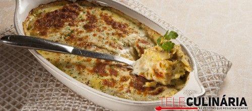 Receita de Bacalhau gratinado com batata-doce. Descubra como cozinhar Bacalhau gratinado com batata-doce de maneira prática e deliciosa com a Teleculinária!