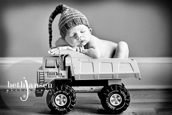 Boys and their toys... I need a Tonka truck newborn-photo-ideas