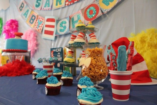 Dr. Seuss Themed Baby Shower: Shower Ideas, Themed Baby Showers, Baby Shower Cupcakes, Manuel S Babyshower, Dr Suess Baby Shower Cake, Project Nursery, Baby Showerrrr, Party Ideas, Dr Seuss Baby Shower Cakes