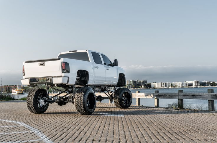 Chevrolet 2500 | SF006 24X16 | Photos by Dale Martin – SPECIALTY FORGED WHEELS