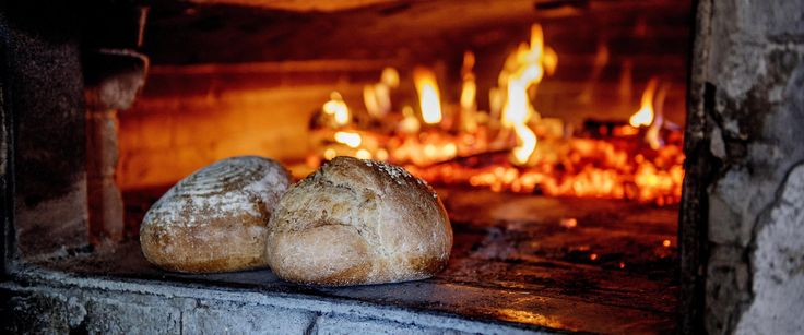 Bakeeksperten Randi Mælum deler oppskrifter på saftige brød og potetlomper.