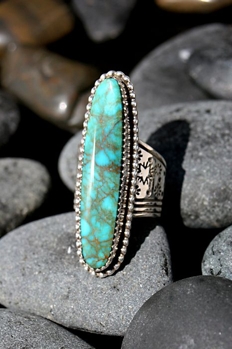 Kingman Turquoise Oval Ring by Navajo artist G. Boyd