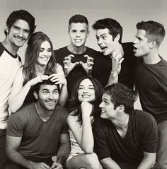 Tyler Posey, Holland Roden, Charlie Carver, Dylan O'Brien, Max Carver, Tyler Hoechlin, Crystal Reed & Daniel Sharman