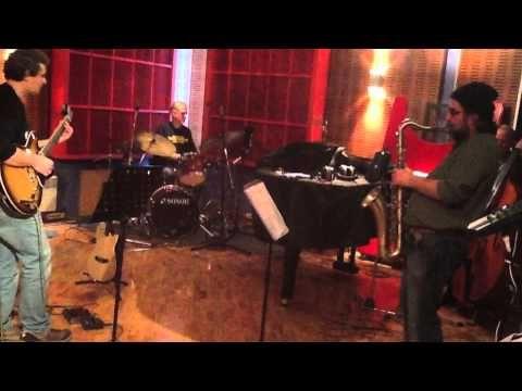 "(4) G. PETKARIS QUARTET ""CISSY STRUT"" - YouTube"