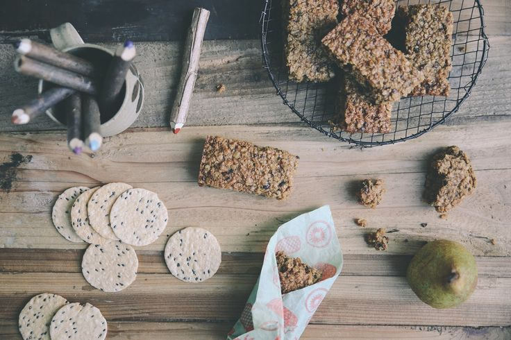 petite kitchen: LIGHT & CHEWY MUESLI BARS